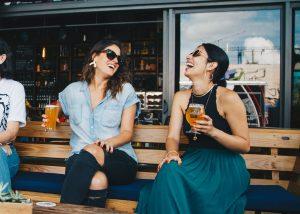 O que fazer quando o álcool afeta o desempenho no trabalho? (Foto de ELEVATE no Pexels)